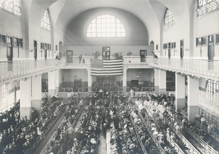 registry room na ellis island