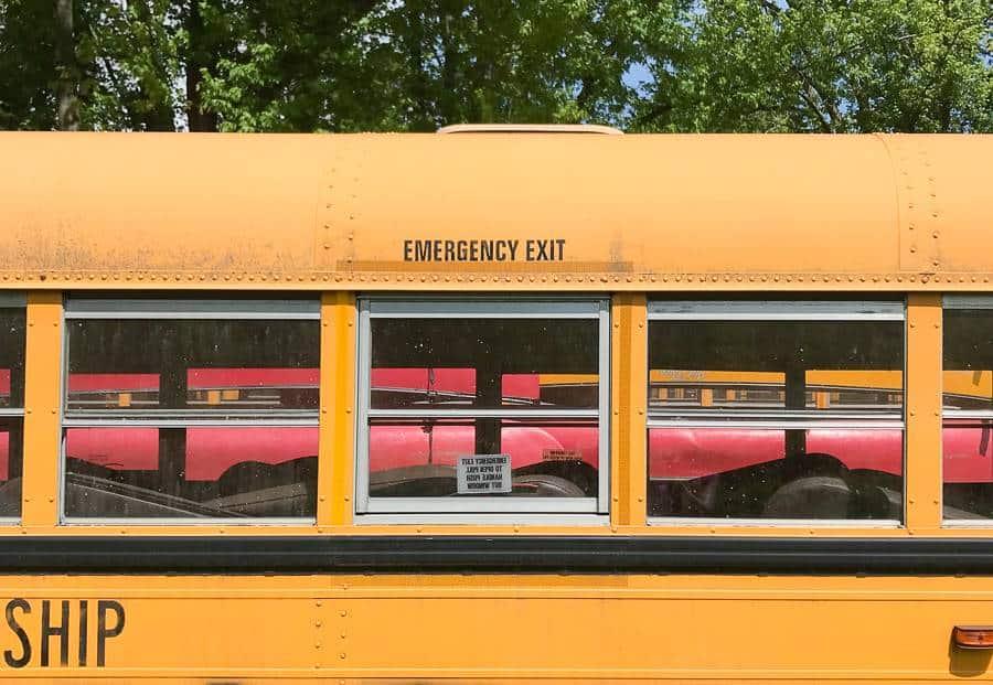 usa żółty szkolny autobus